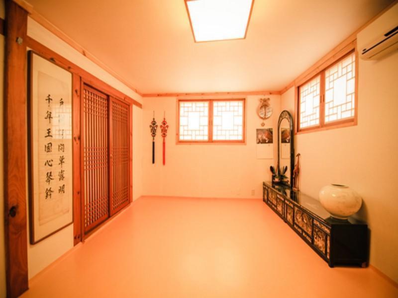 Bukchon Maru Hanok Guesthouse