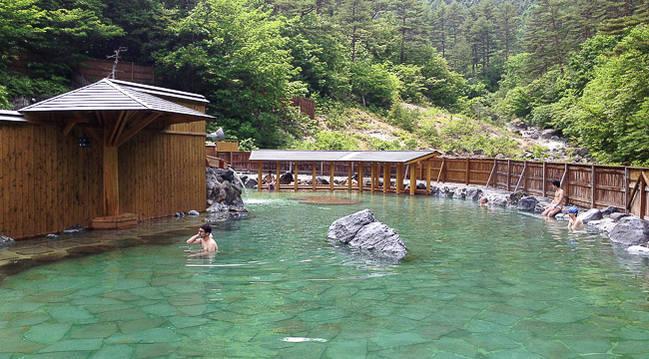 Dónde encontrar las mejores aguas termales de todo Japón: Kusatsu Onsen